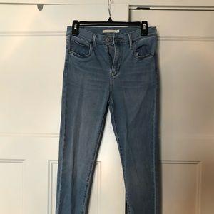 Levi's 720 high rise jeans light wash size 28